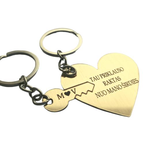 Graviruotas pakabukas širdis su raktu