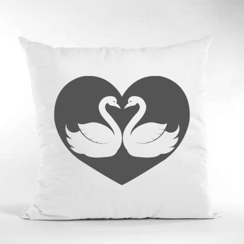 Dekoratyvinė pagalvė su gulbėmis