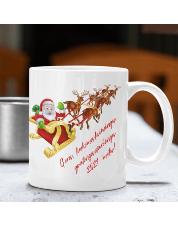 Puodelis su kalėdų senelio palinkėjimu