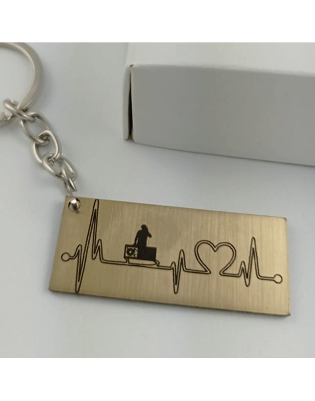 Graviruotas raktų pakabukas širdies pulsas BOSAS