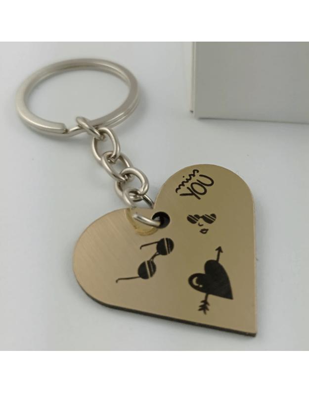 Graviruotas raktų pakabukas auksinis su prisiminimais